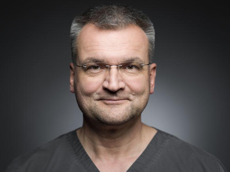 Dr. Axel Ruppert
